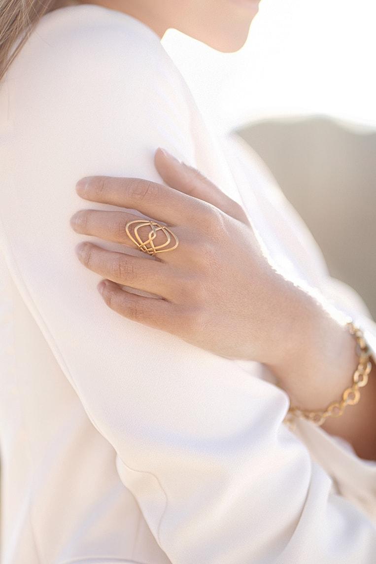 Bienenkönigin Ring gold