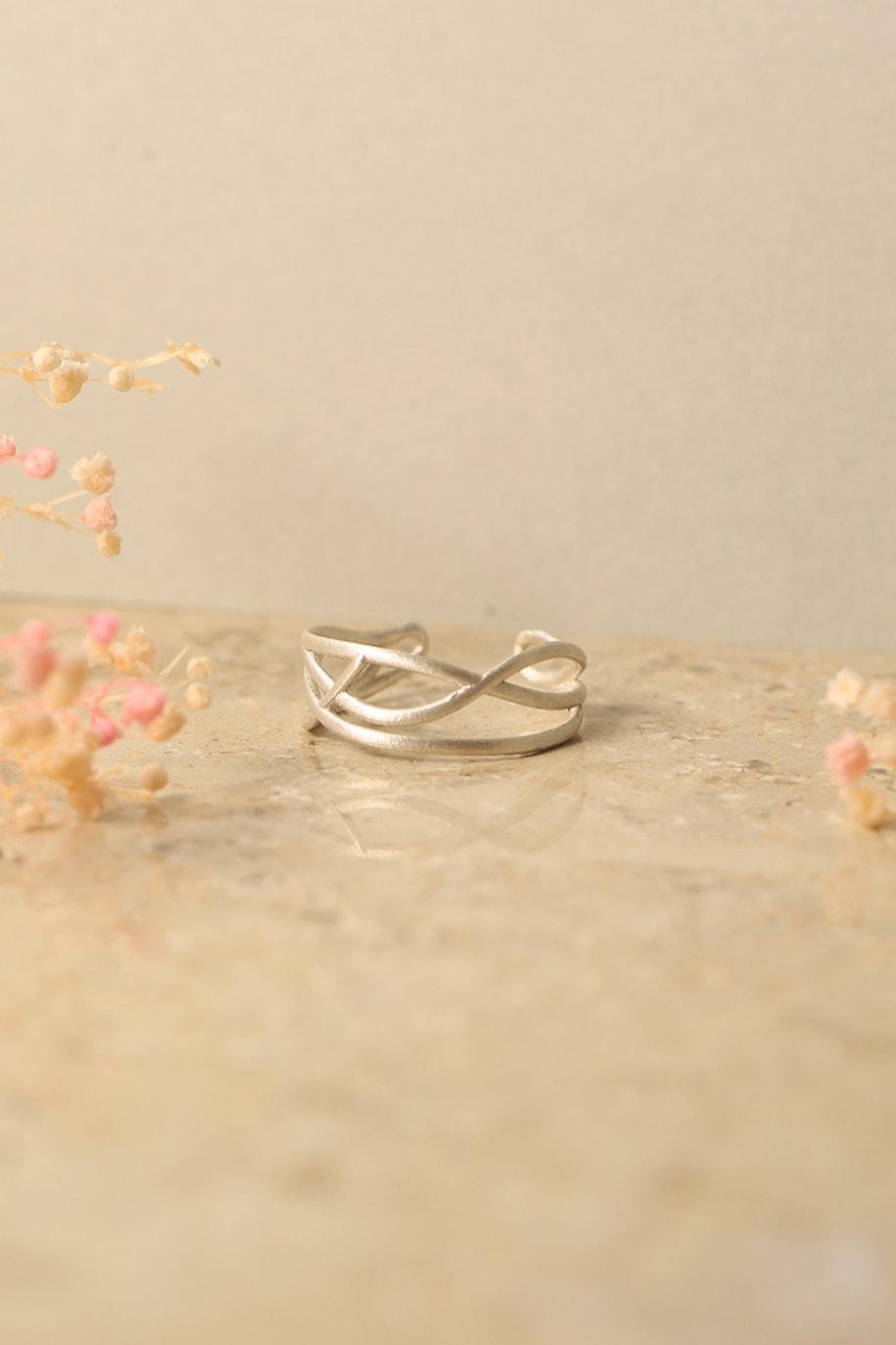 verschnörkelter ring